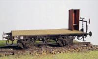 Flachwagen mit Bremserbühne